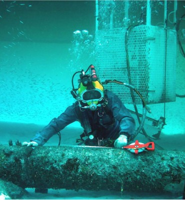 Technical diving operations at sea and dams-offshore projects